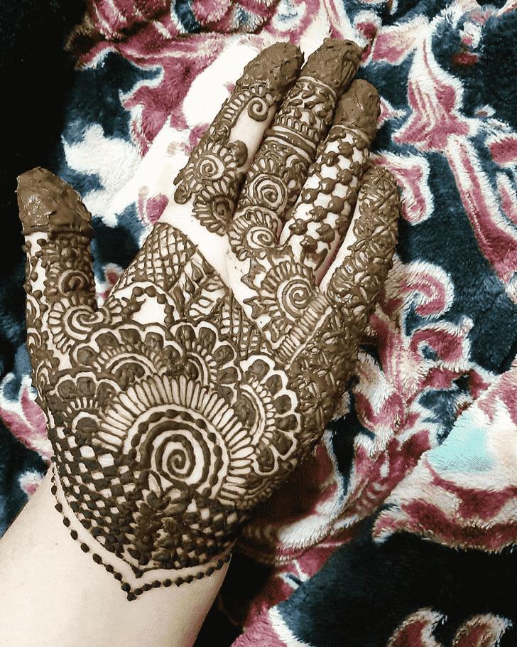 Shapely Adorable Henna design