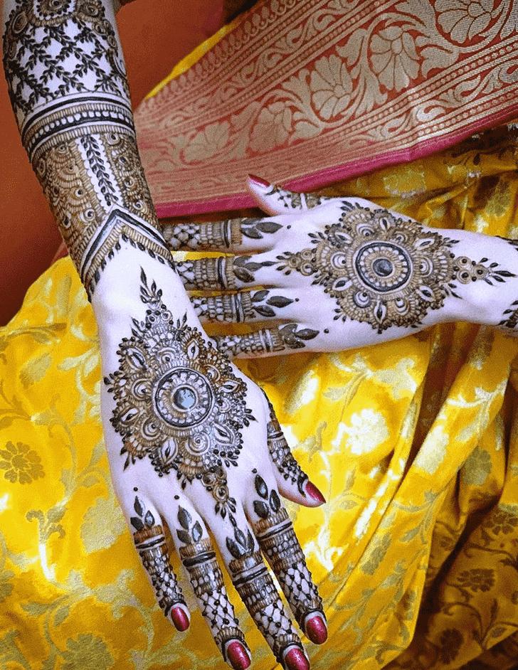 Resplendent Agra Henna Design