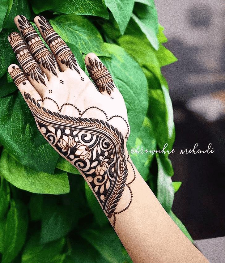 Beauteous Ajman Henna Design