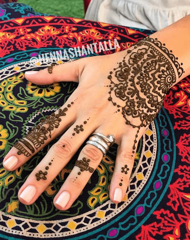 Bewitching Al Ain Henna Design