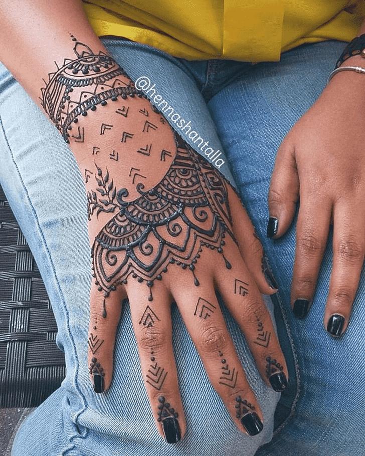 Classy Al Ain Henna Design