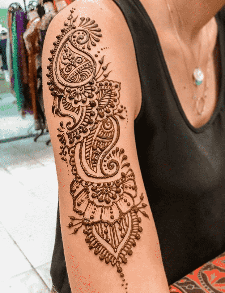 Enticing Al Ain Henna Design