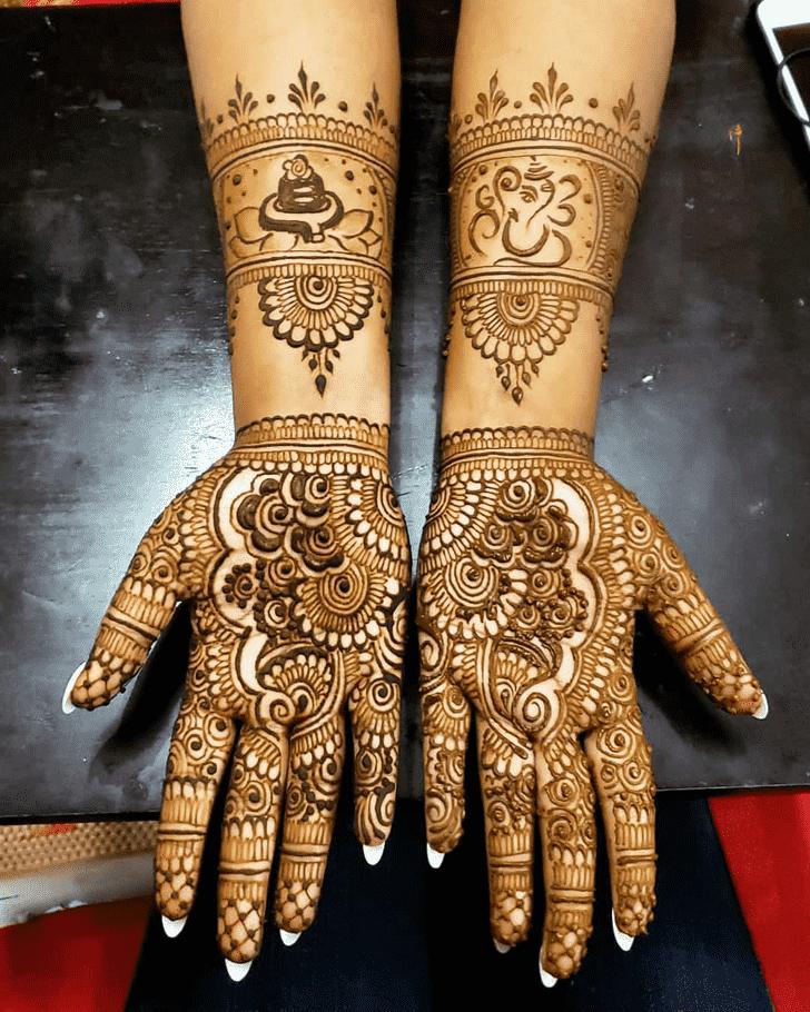 Fetching Al Ain Henna Design