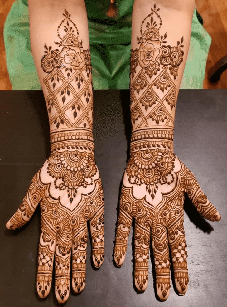 Graceful Al Ain Henna Design