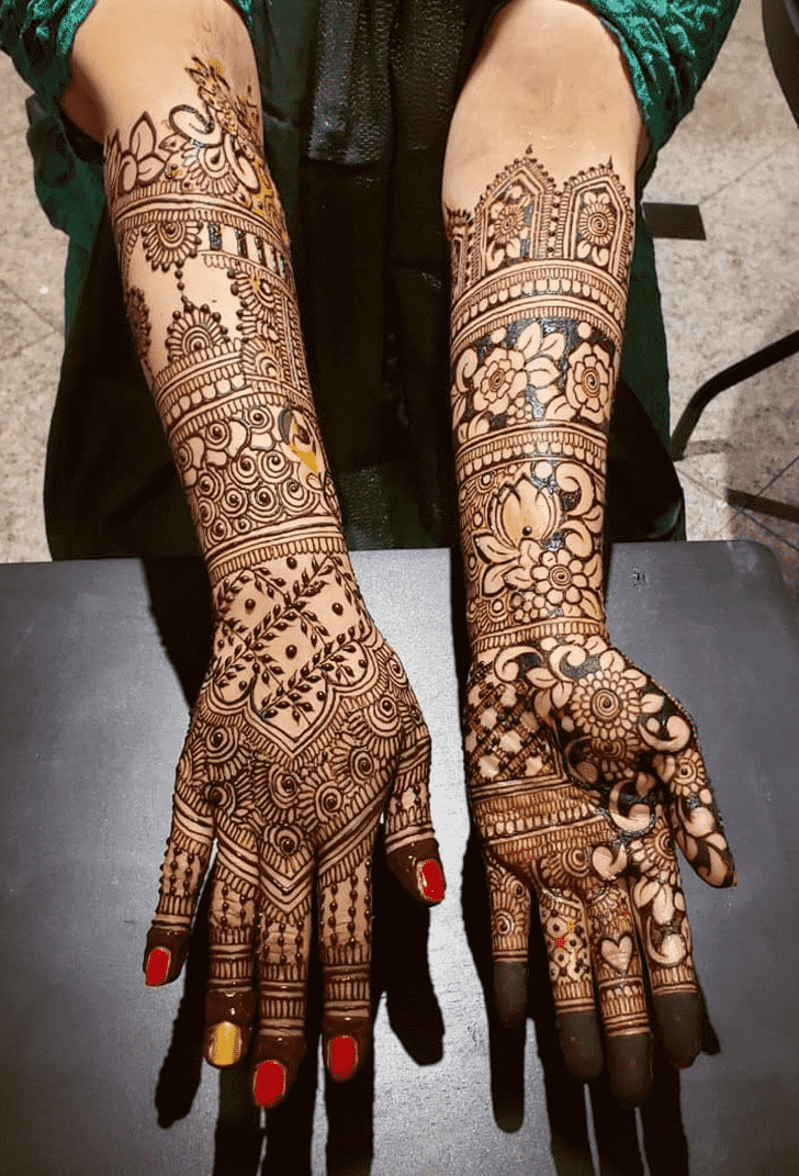 Stunning Al Ain Henna Design