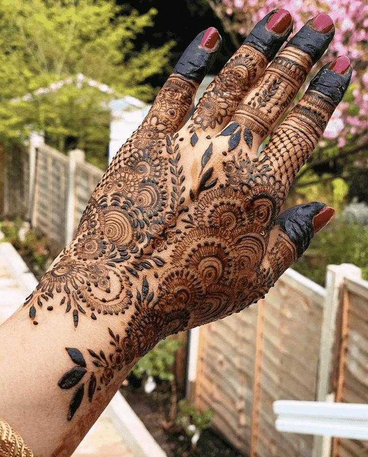 Classy Allahabad Henna Design
