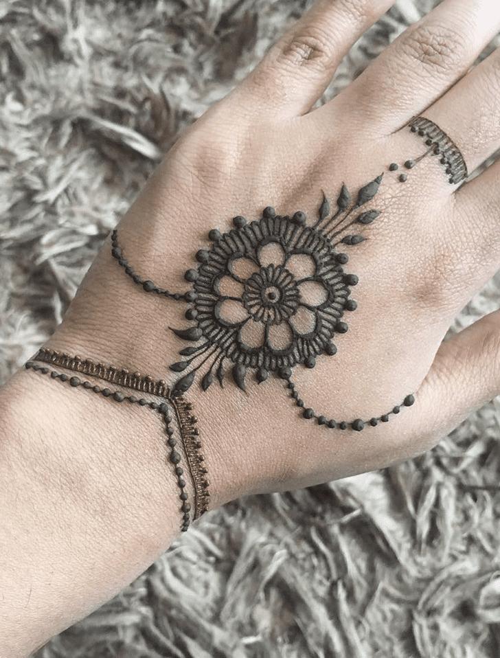 Cute Alluring Henna Design