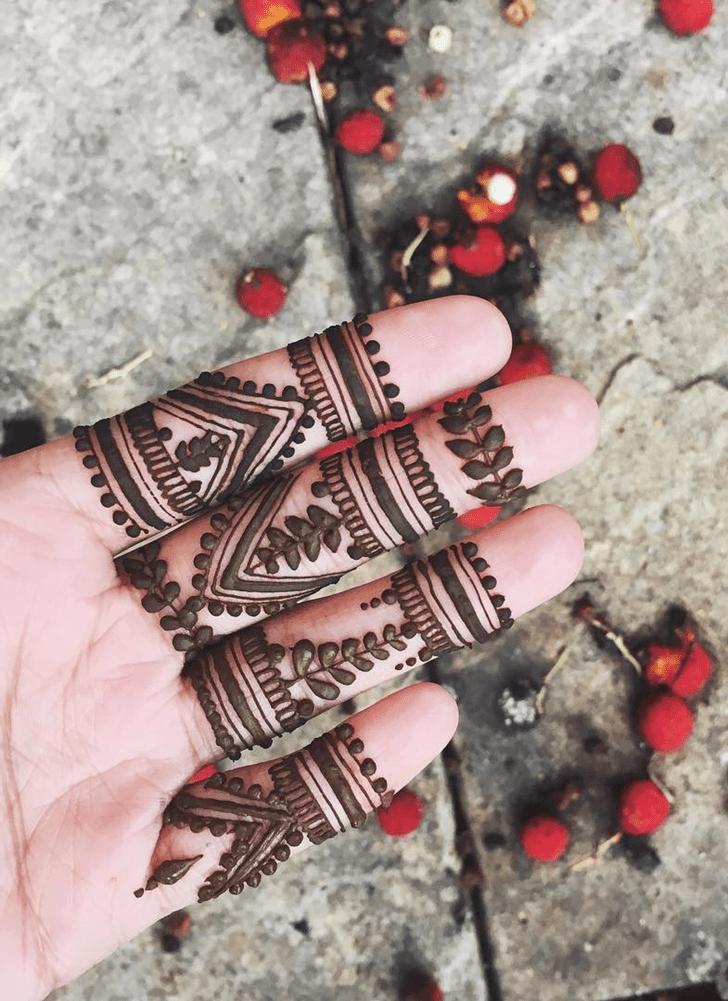 Dazzling Alluring Henna Design