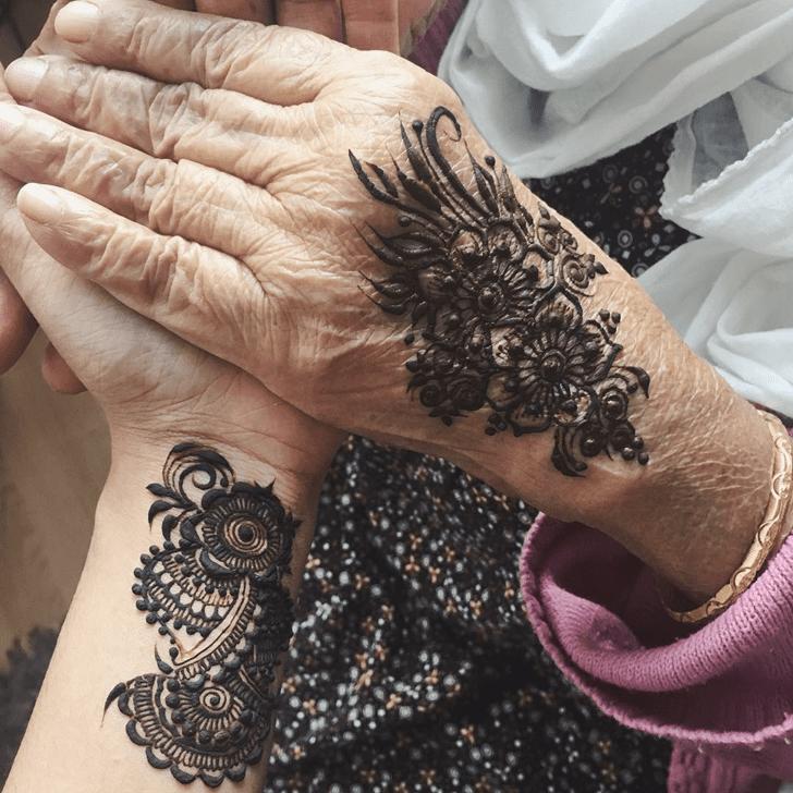 Delightful Alluring Henna Design