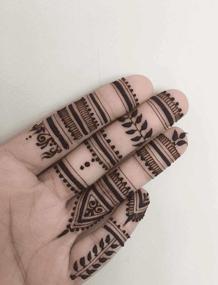 Enthralling Alluring Henna Design