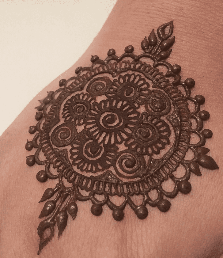 Enticing Alluring Henna Design
