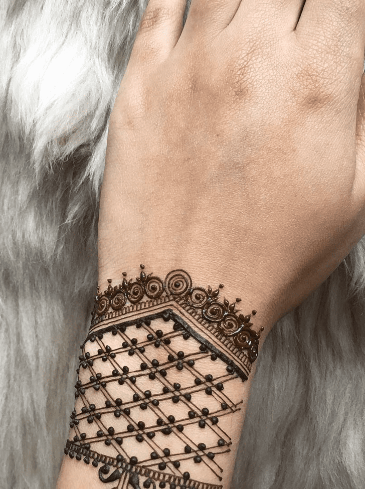 Fascinating Alluring Henna Design