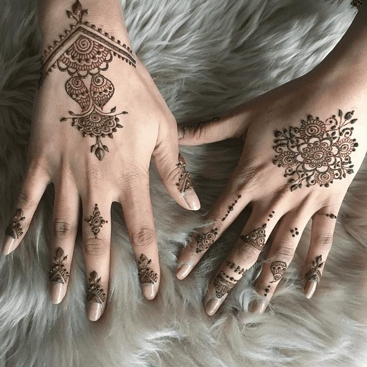 Fetching Alluring Henna Design