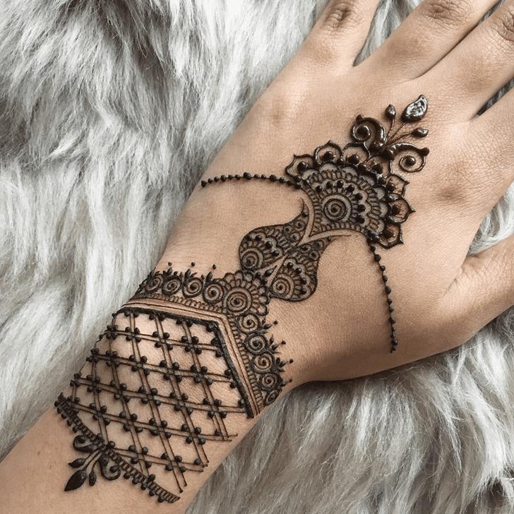 Fine Alluring Henna Design
