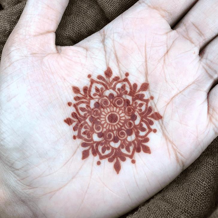 Pleasing Alluring Henna Design