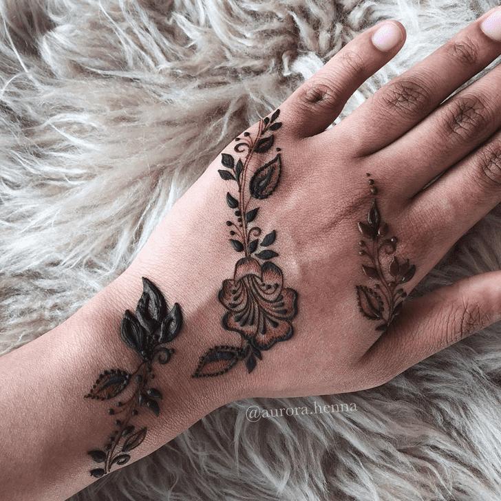 Ravishing Alluring Henna Design