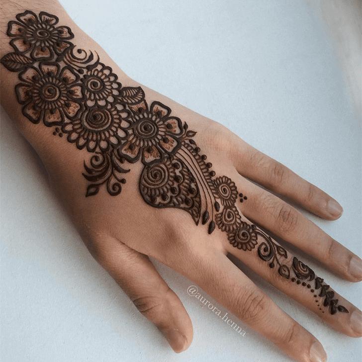 Slightly Alluring Henna Design