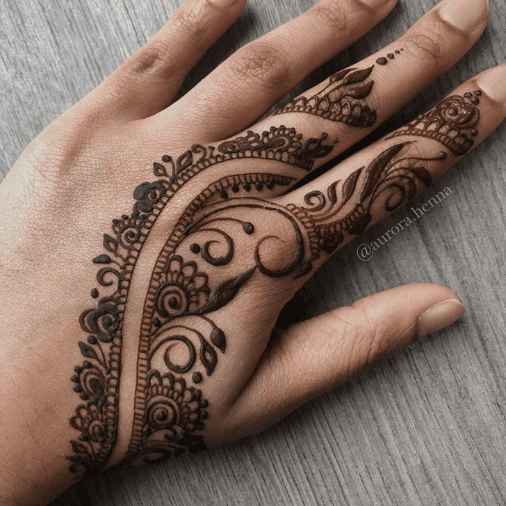 Superb Alluring Henna Design