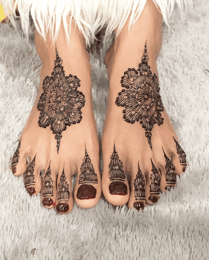 Captivating Amalaki Ekadashi Henna Design