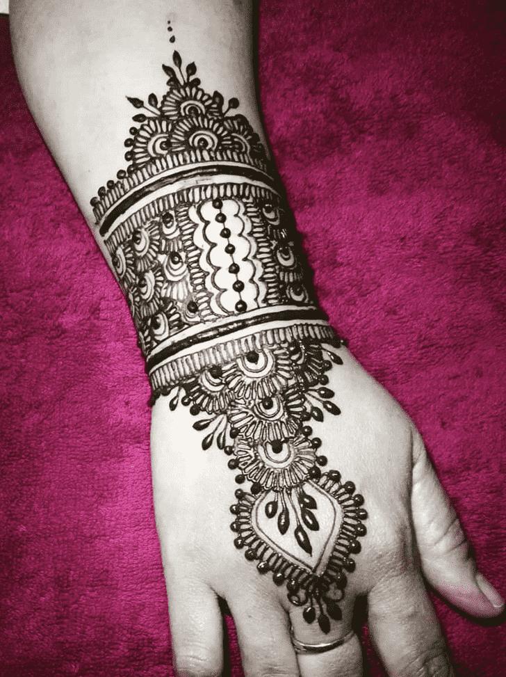 Appealing American Henna Design