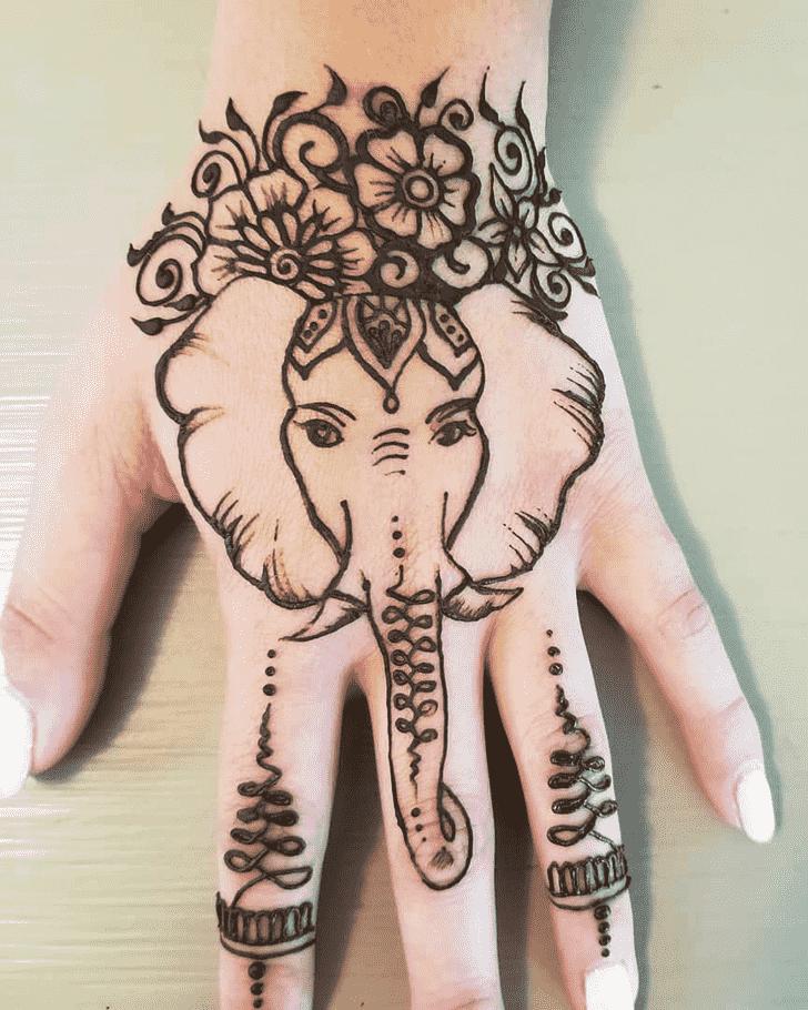 Elegant Animal Henna Design