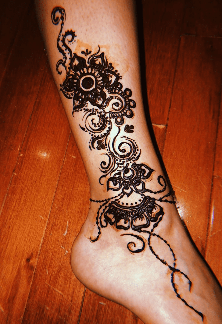 Bewitching Ankle Henna Design