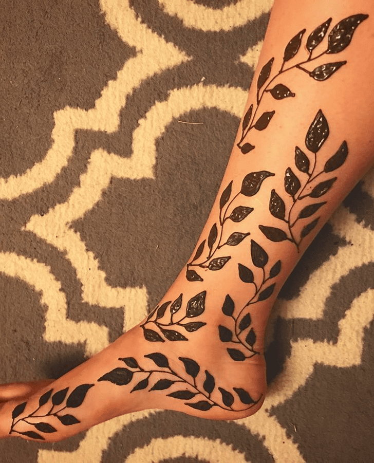 Charming Ankle Henna Design