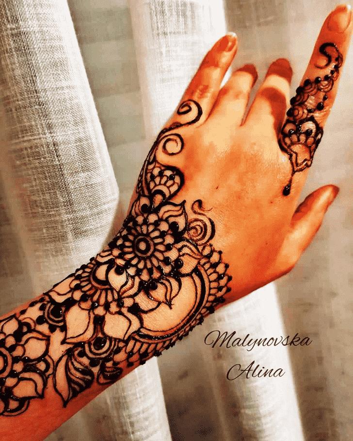 Angelic Arab Henna Design