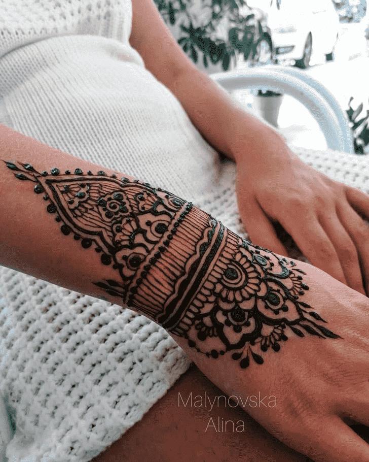 Classy Arab Henna Design