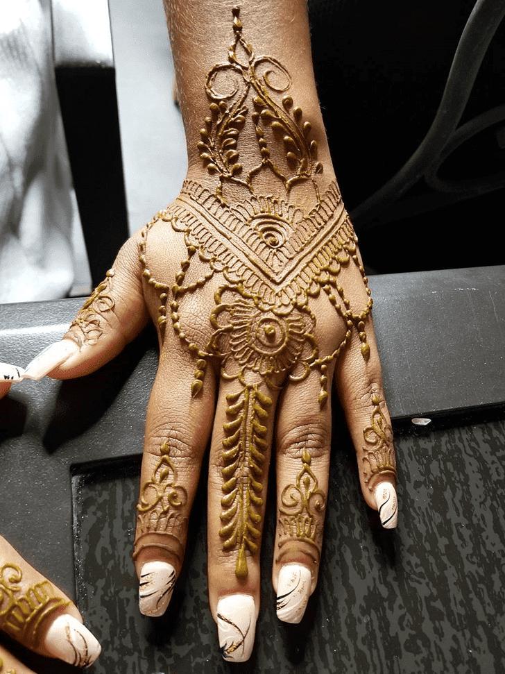 Beauteous Arabic Henna Design