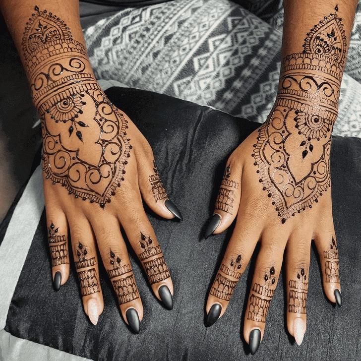 Captivating Arabic Henna Design
