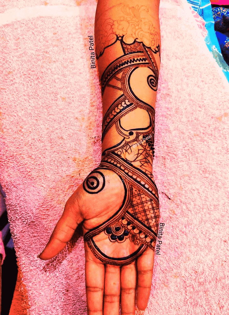 Alluring Austria Henna Design