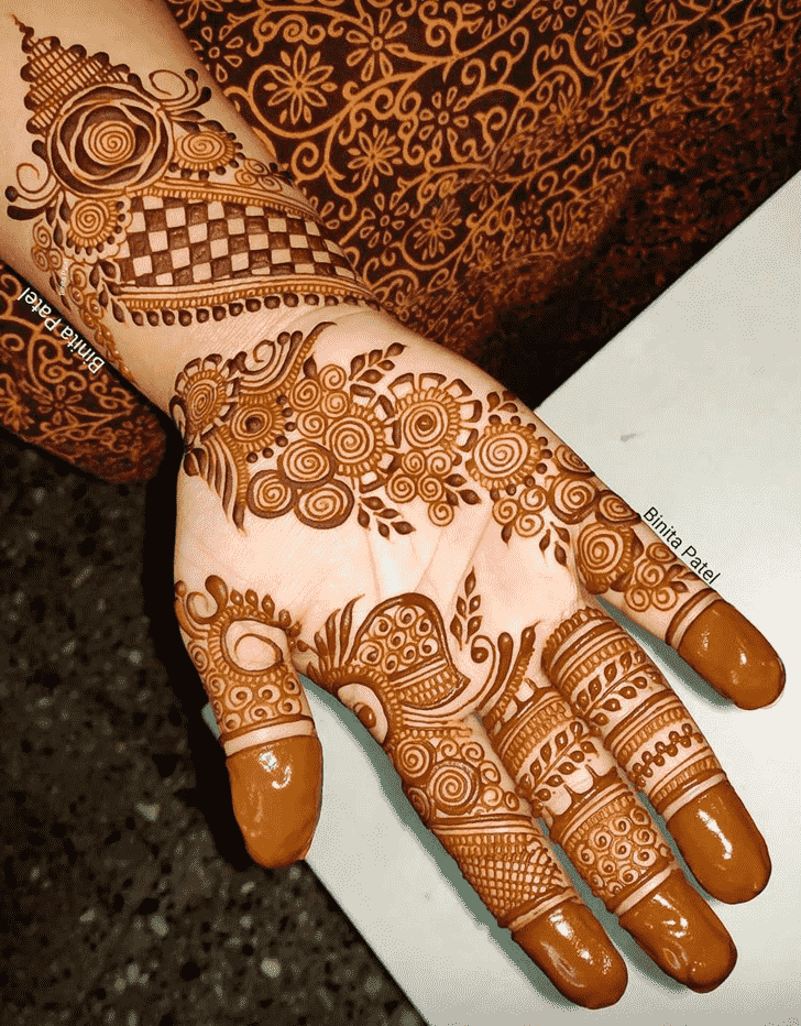 Fascinating Austria Henna Design