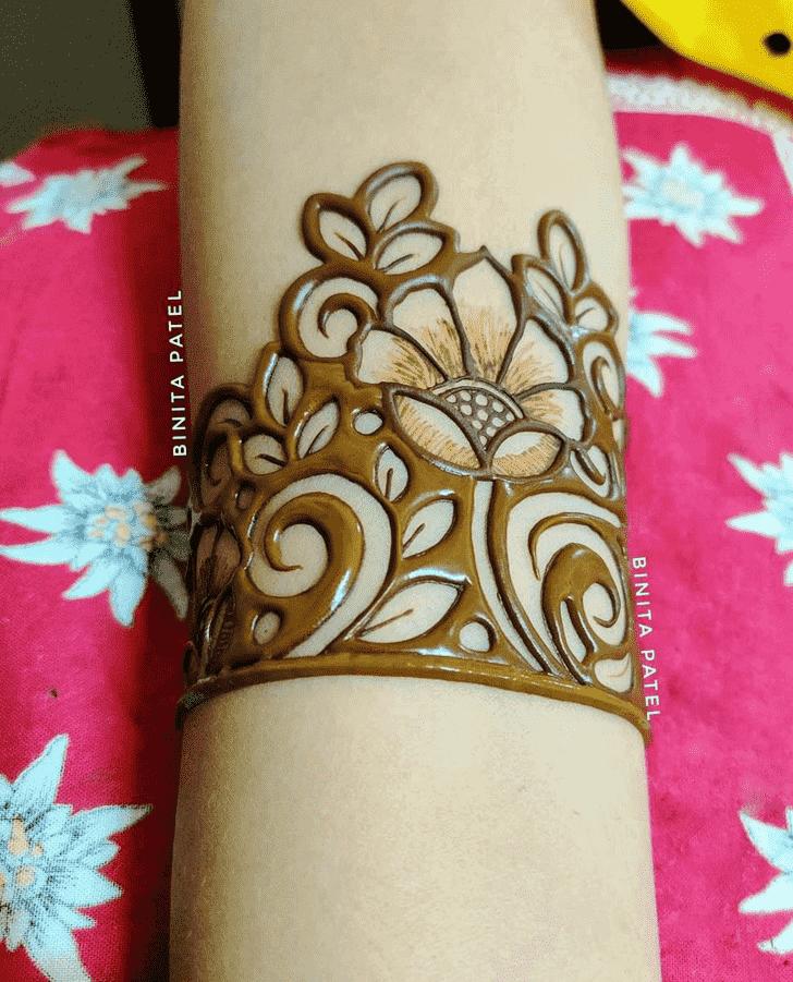 Graceful Austria Henna Design