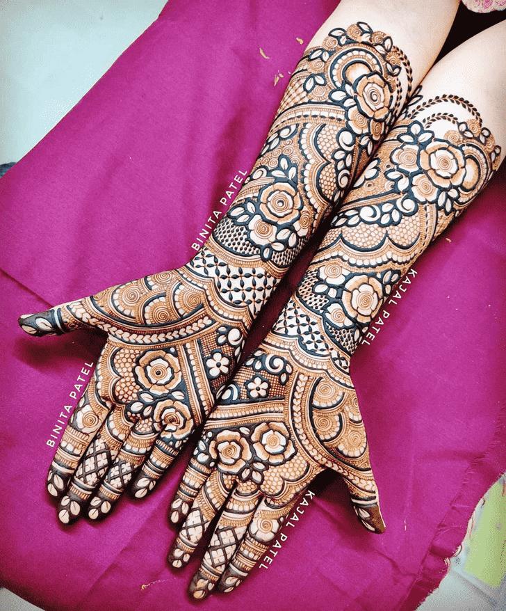 Pretty Austria Henna Design