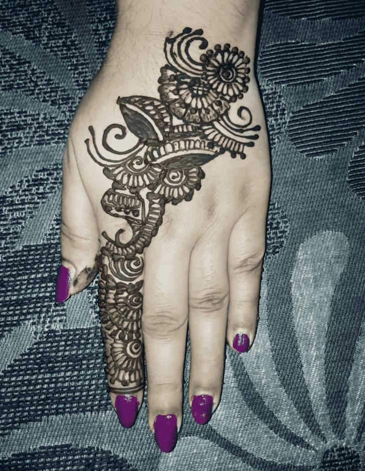Alluring Back Hand Henna Design