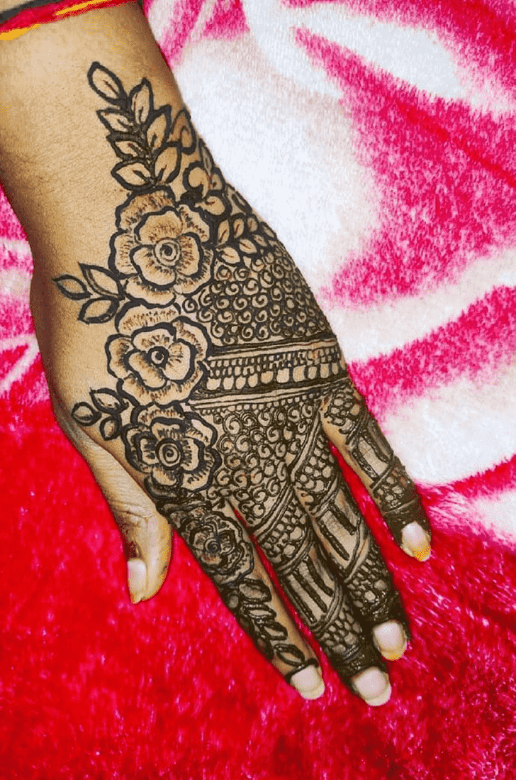 Ravishing Back Hand Henna Design