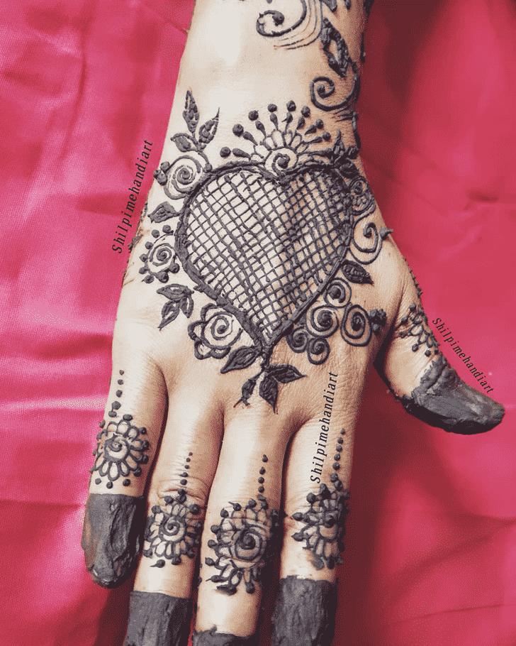 Slightly Back Hand Henna Design