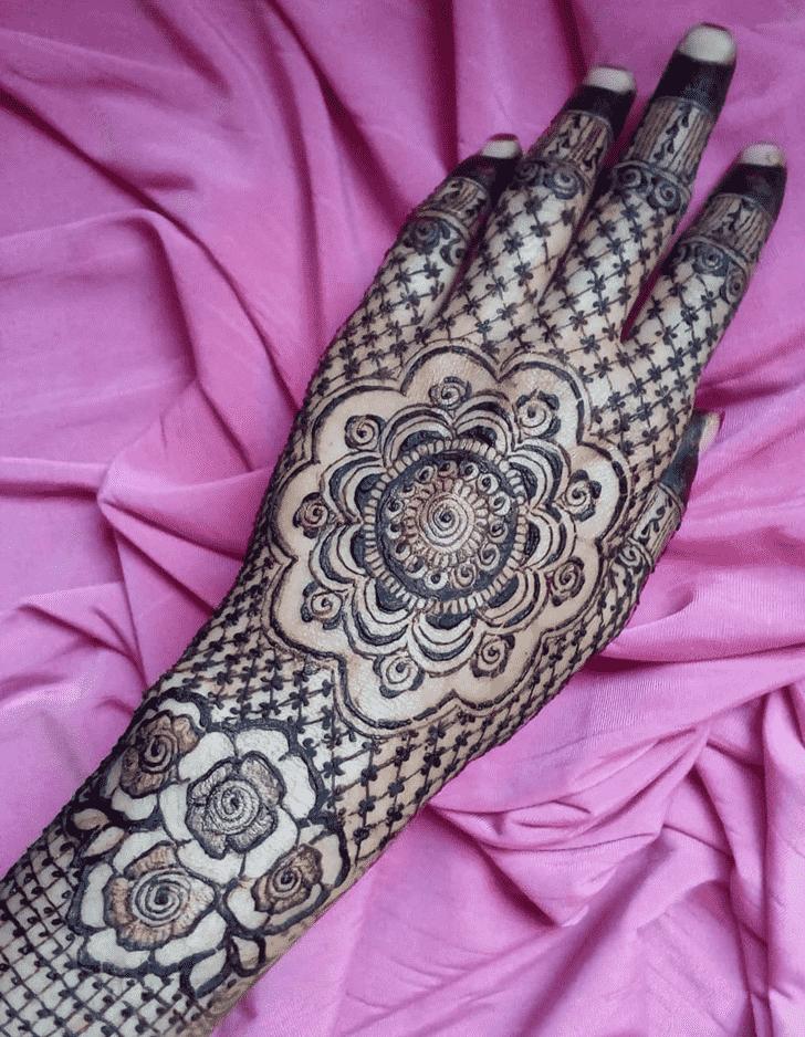 Splendid Back Hand Henna Design