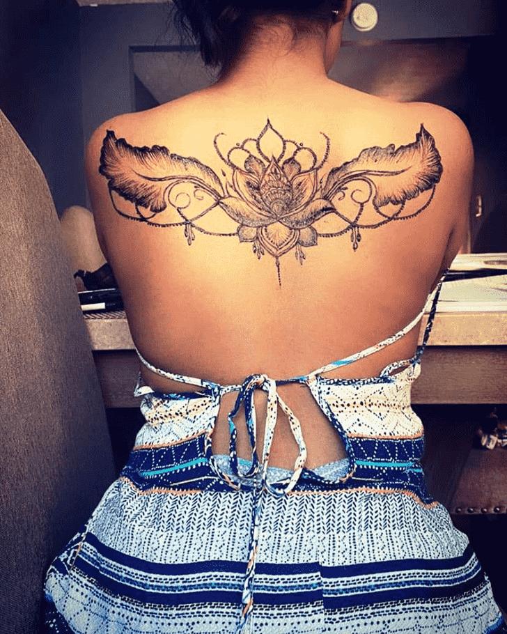 Appealing Back Henna design