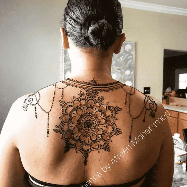 Beauteous Back Henna design