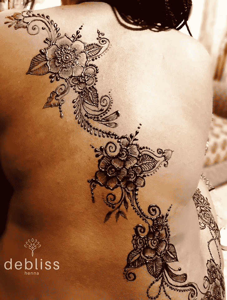Bewitching Back Henna design