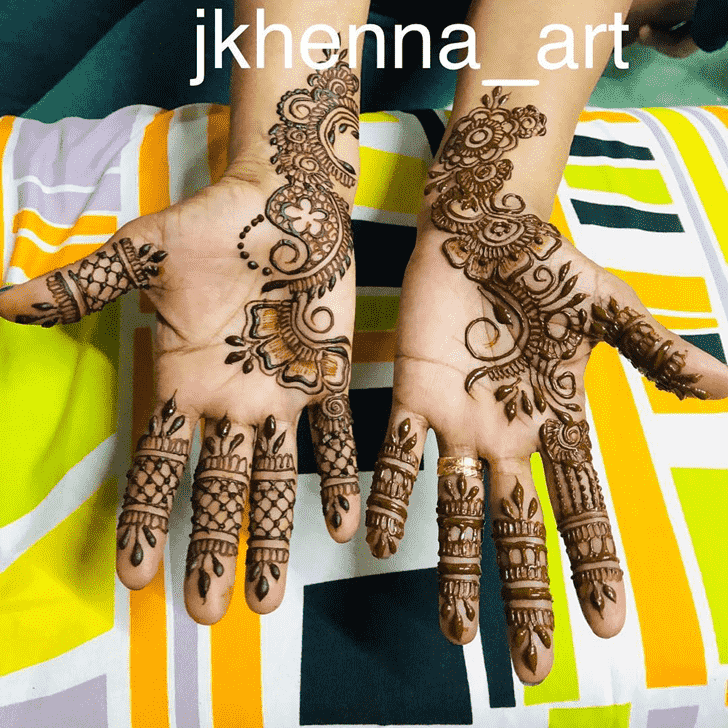 Alluring Badghis Henna Design