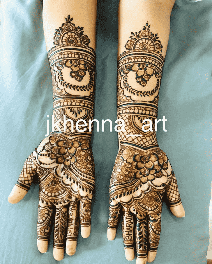 Charming Badghis Henna Design