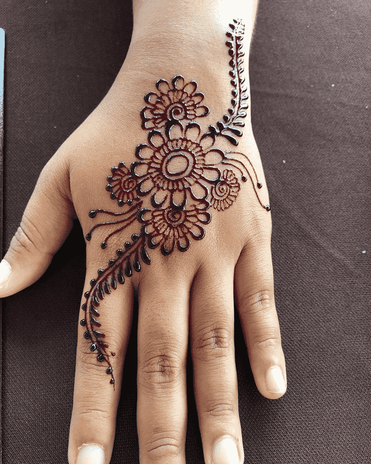 Enticing Badghis Henna Design