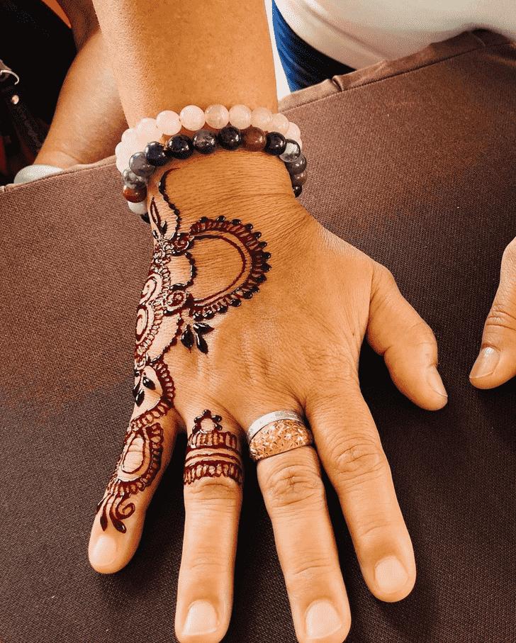 Fascinating Badghis Henna Design