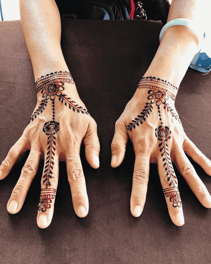 Fetching Badghis Henna Design