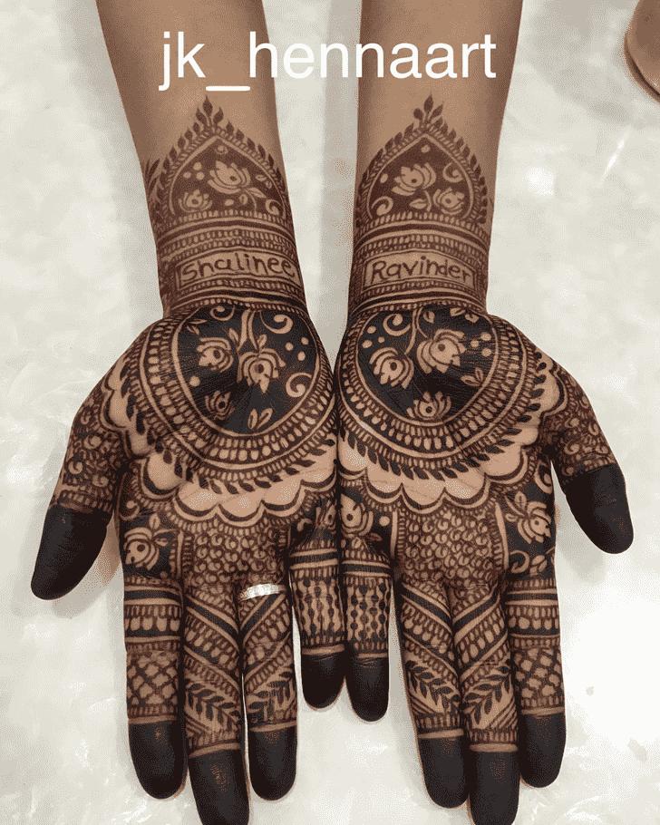 Slightly Badghis Henna Design