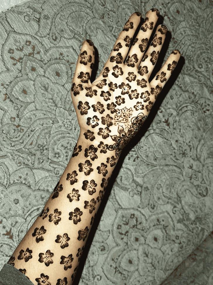 Adorable Banarsi Henna Design