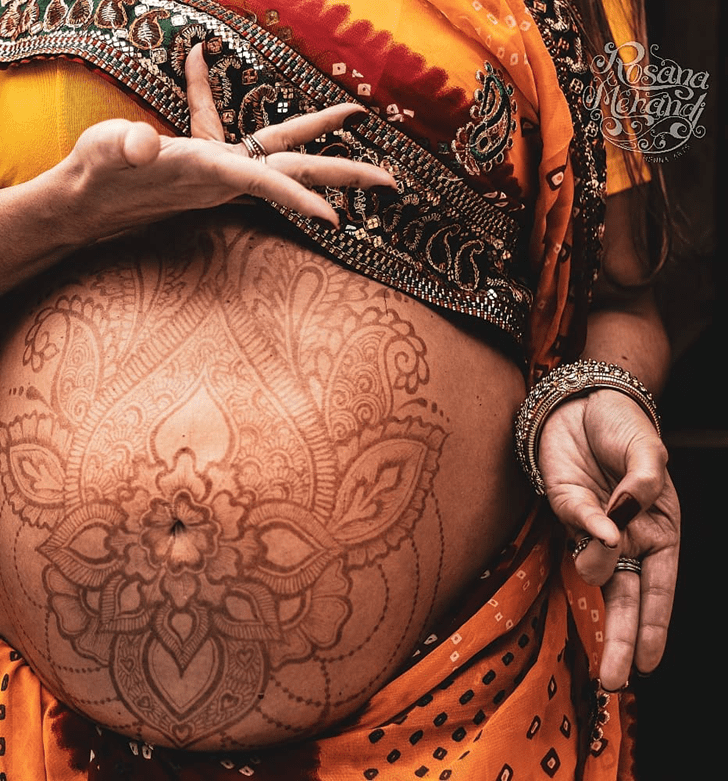 Charming Belly Button Henna Design